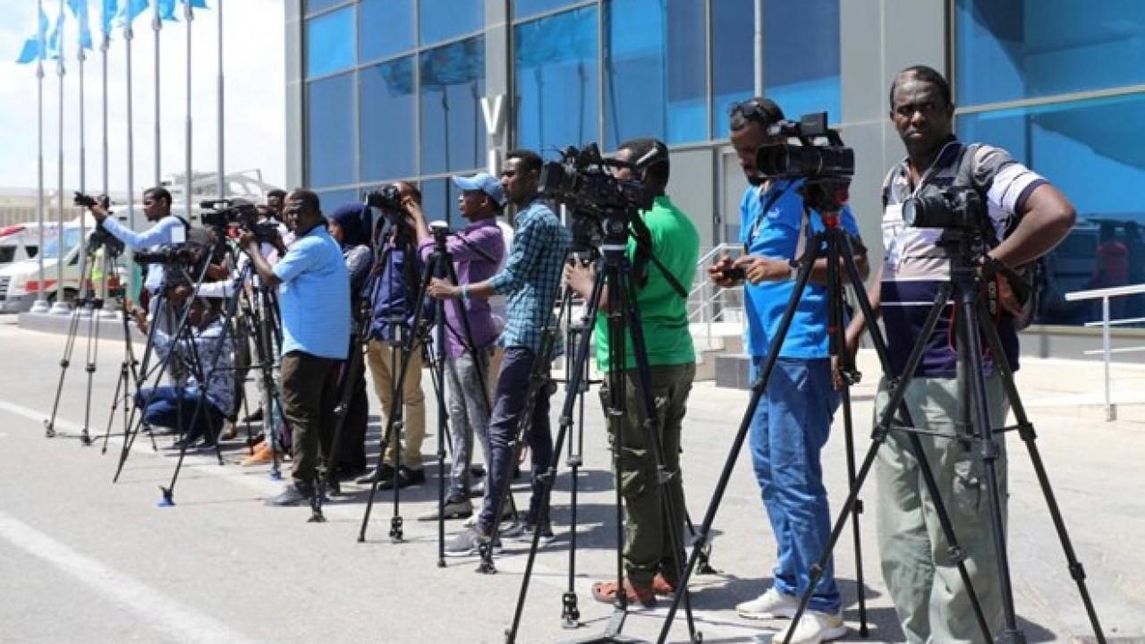 /admin/storage/photos/shares/الصحفيين في الصومال.jpg